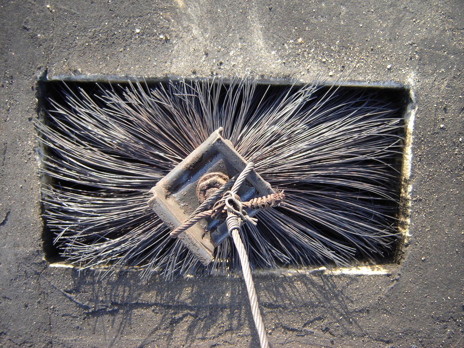 Poważnie Okresowe czyszczenie przewodów kominowych | Cennik | Usługi GU78